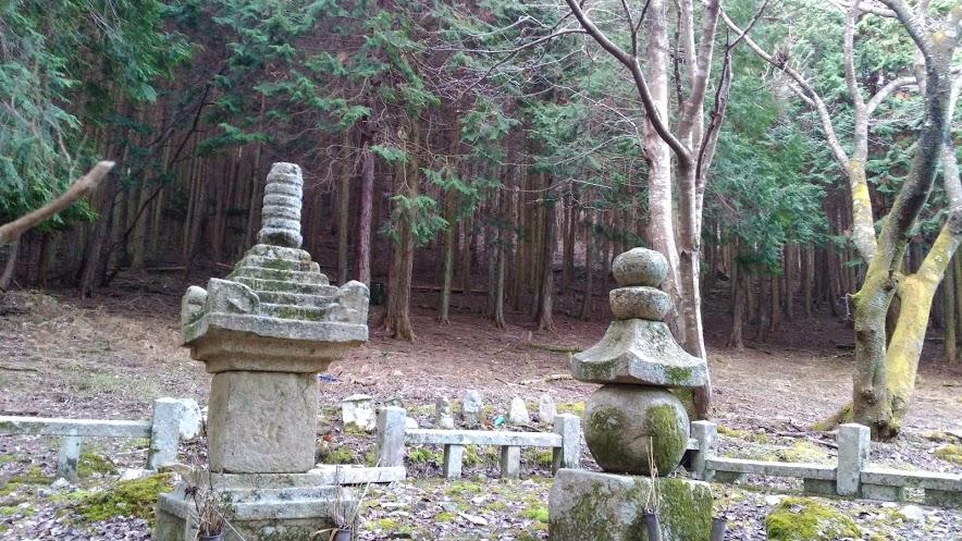 竜王山/墓