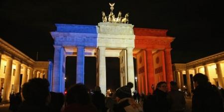 Tri-Colour_Brandenburg-Arch.jpg