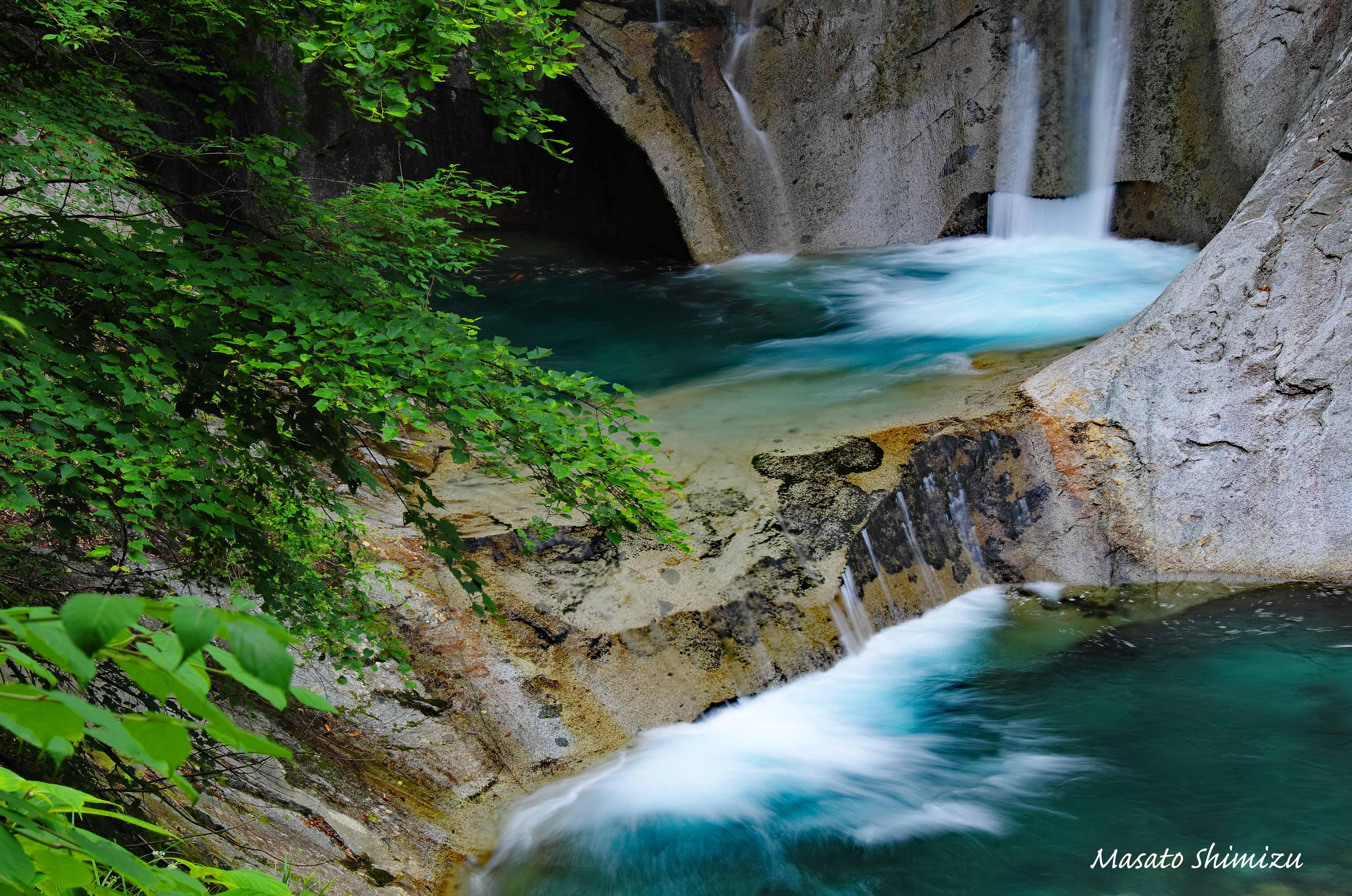 緑と岩と水と…