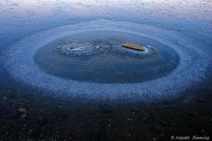 湖が作るオブジェ