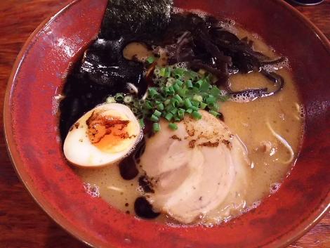熊本ラーメン黒