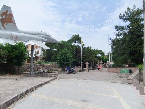 マンダマドス_タクシアルヒス修道院にて (2)