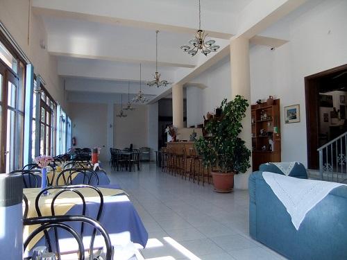 リムノス_ホテルで朝食