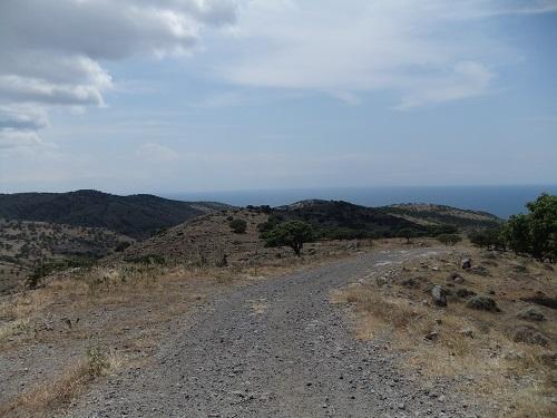 アギオス・エフストラティオス_山を上る (4)