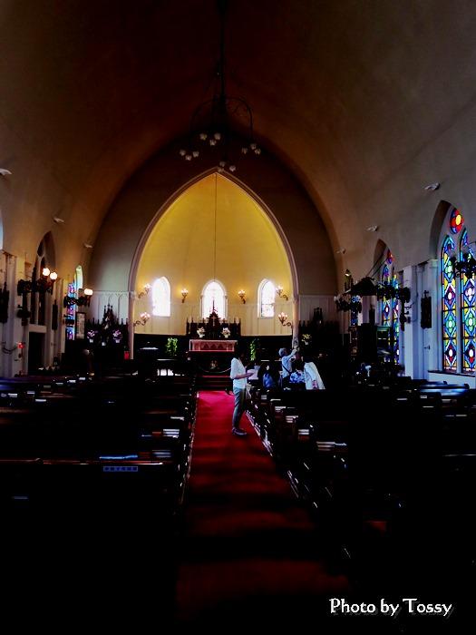 カトリック夙川教会内部