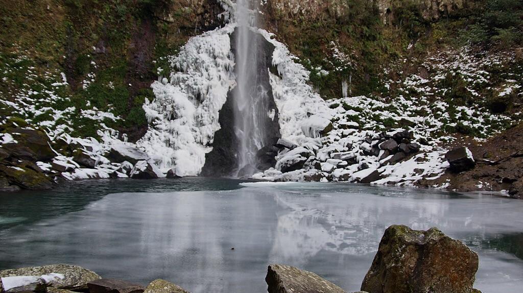 東椎屋の滝-3