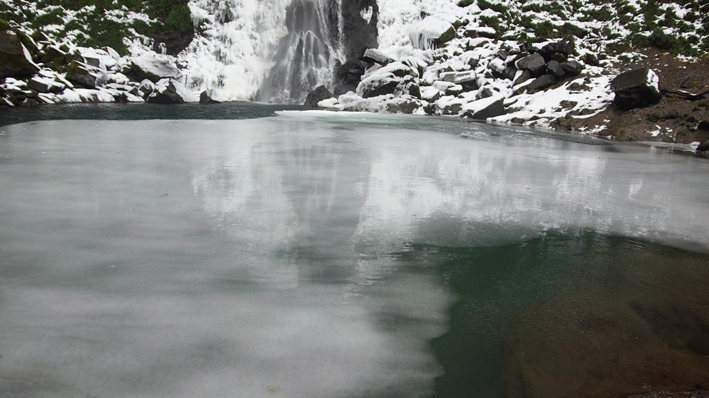 東椎屋の滝-5