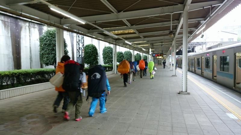 唐木田駅から地蔵山を目指します