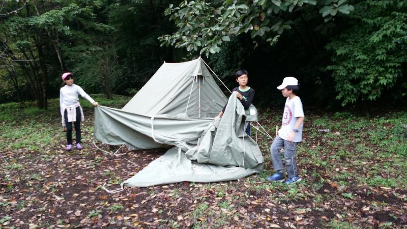 コンドル班 テント設営中