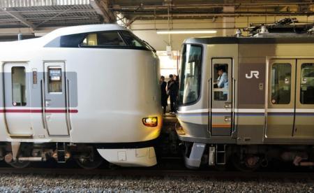 """こうのとりが""""快速電車を救援!"""""""