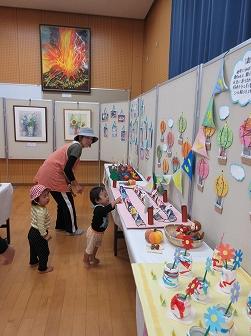 校区文化祭 展示の部 (1)