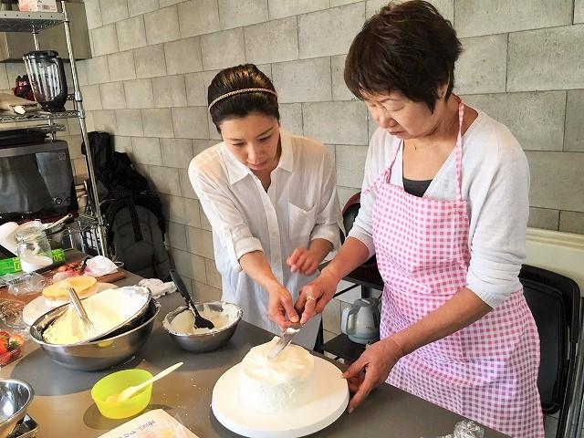 母の日イベント『イチゴのデコレーションケーキ』Lesson