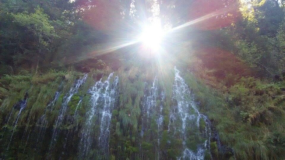 モスブレイの滝太陽
