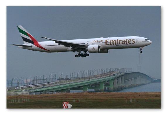 b-Boeing 777