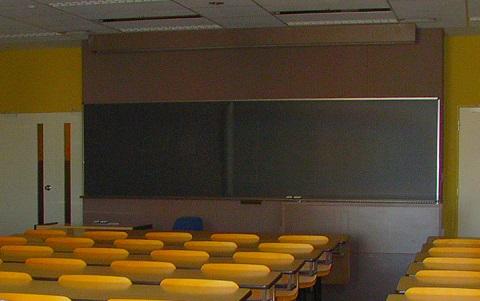 150917 大きな黒板の教室