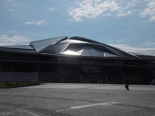 tokyo-gymnasium1.jpg
