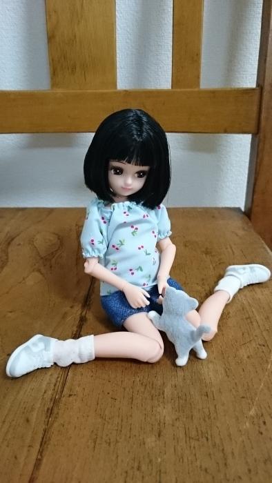 おもちゃ屋さんチェリーブラウス座り