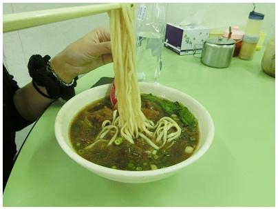 呉家牛肉麺8