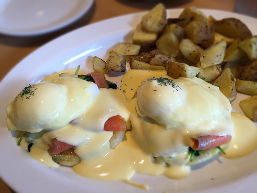 Eggs Benedict Smoked Salmon