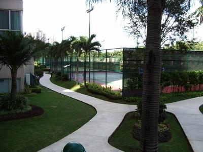 ジョギングコース テニスコート