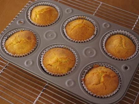 花と料理で楽しむハッピーハロウィンその2カップケーキかぼちゃ04
