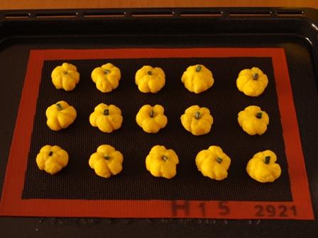 ハロウィンにホットケーキミックスでかぼちゃのまるまるクッキー03