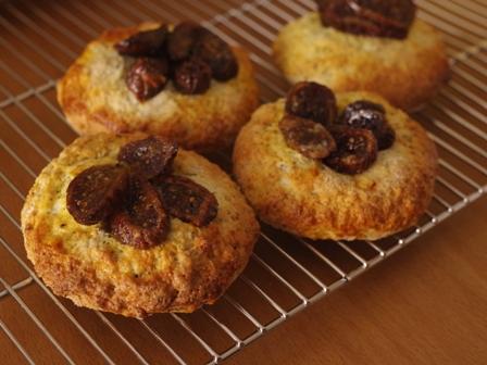 ホットケーキミックスで作るドライフィグでイチジクの簡単さくさくパン05