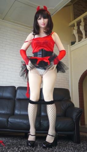 femalemaskArdg01