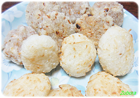 松の実と胡麻の餅菓子