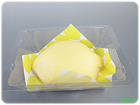 ローソンの「スプーンで食べるレモンケーキ」