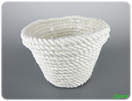 ダイソーの綿ロープとジュタドールで小物入れ