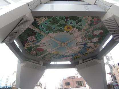 4 天井に描かれた画像