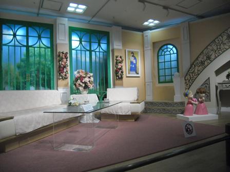 4 「徹子の部屋」のステージ