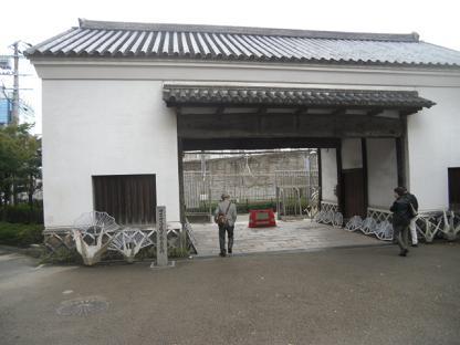 3 旧黒田藩藩邸の門