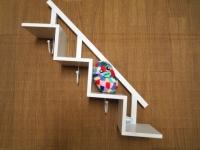 階段状の飾り棚