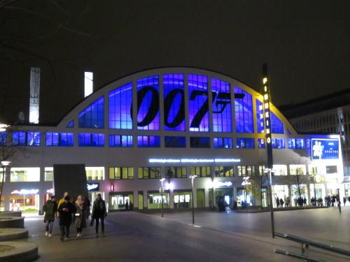 007 Tennispalatsi Helsinki ヘルシンキ 映画館