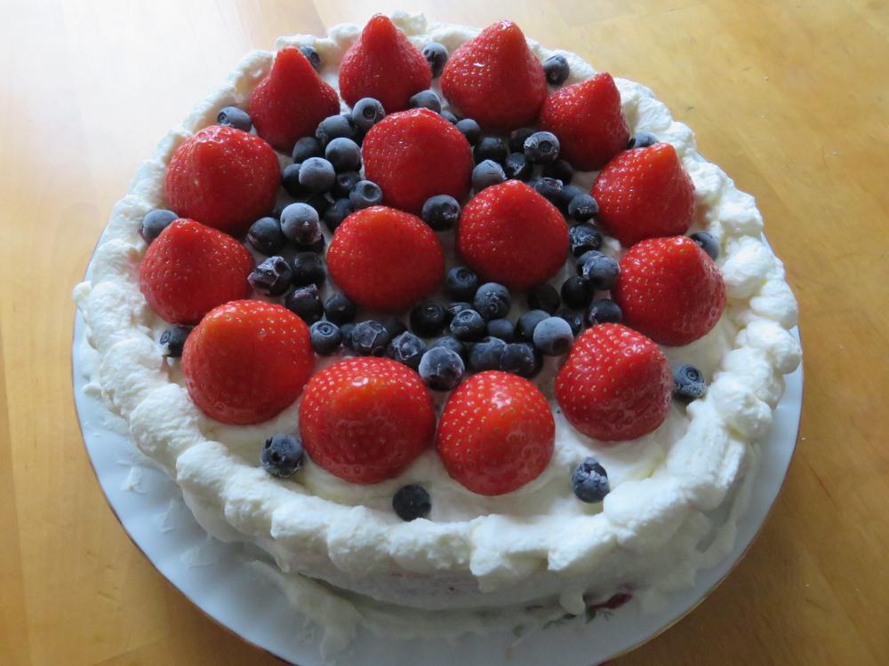 Kakku 父の日 ケーキ いちご ブルーベリー
