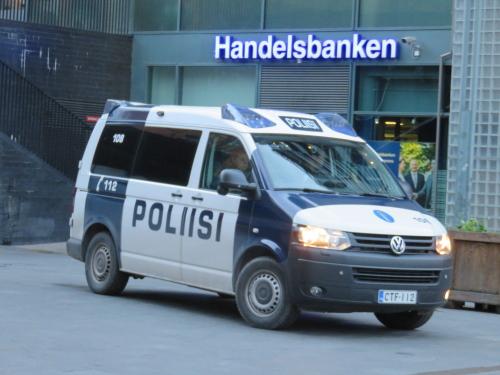 フィンランド Kamppi ヘルシンキ パトカー