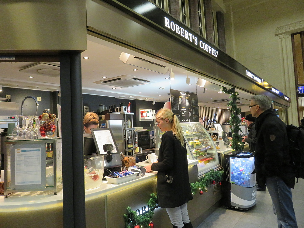 フィンランド ヘルシンキ 中央駅 Roberts Coffee ロバーツコーヒー