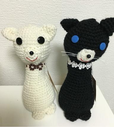 白黒ねこちゃん編みぐるみ