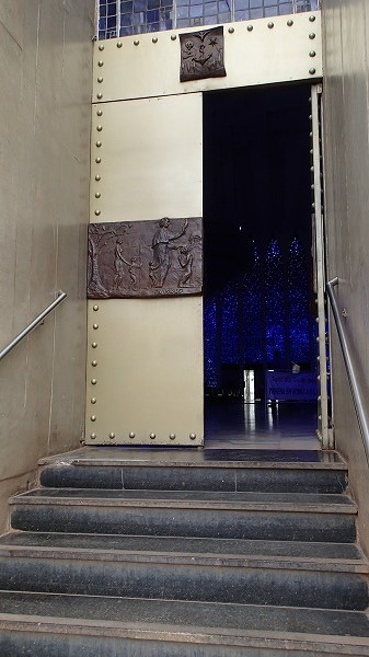 s-ドン・ボスコ教会とTV塔 (28)