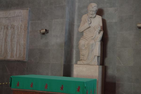 s-カテドラルと階段 (13)