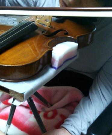 バイオリン台1