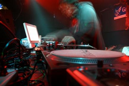 DJ ライブ 音楽