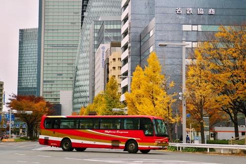 IMG_4941 赤いバス