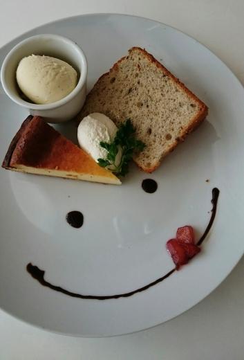 cafe FUN バニラアイスとおまかせスイーツ2種盛り