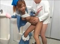【スタイル抜群】トイレのお掃除さんがスタイル抜群ギャルだったから犯しといた。【トイレ】