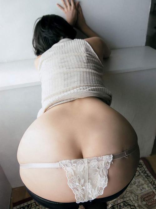 倉持由香(23)の「立ちバック」待ちが超エロい。画像×64