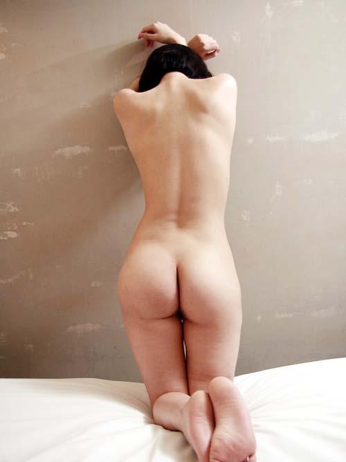 美しい背中をした女体、後姿の全裸画像