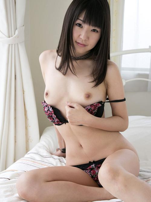 童顔AV女優のレジェンド!風格のあるエロい裸体がめちゃシコ!